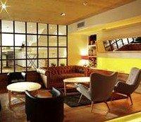 Gastronomía cántabra actualizada, raciones y copas en un espacio innovador que cuenta con terraza en invierno
