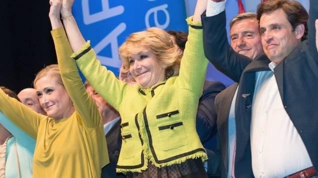 En la imagen, Cristina Cifuentes, Esperanza Aguirre y Daniel Pérez, sobre quien recaen ahora sospechas de corrupción en el Ayuntamiento de Galapagar.