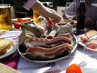 El 17,6 % de los españoles tiene intención de gastar más este año durante sus vacaciones de verano