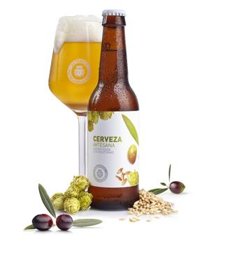 La Chinata presenta la primera cerveza artesana aromatizada con aceitunas