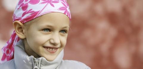 El Corte Inglés apoya a la Fundación Unoentrecienmil contra la leucemia infantil