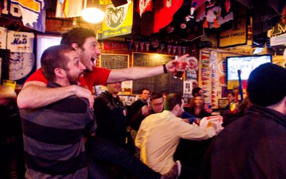 El 70% de los españoles prefiere ver los partidos en un bar