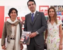 De izq. a drcha: Paloma Bot�n, Javier Bot�n y Carolina Bot�n