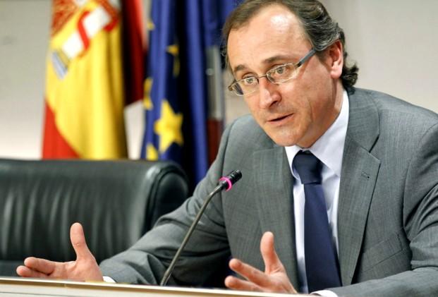 Alfonso Alonso, un perfil genuino y fresco del PP, que toma la alternativa en las elecciones autonómicas vascas.