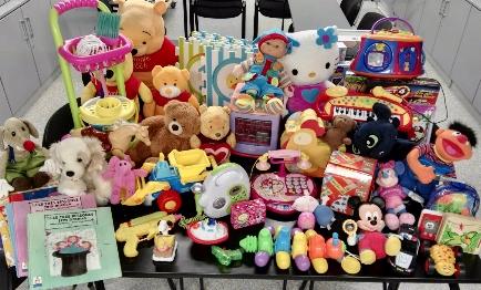 MC MUTUAL recoge juguetes para distintas entidades solidarias