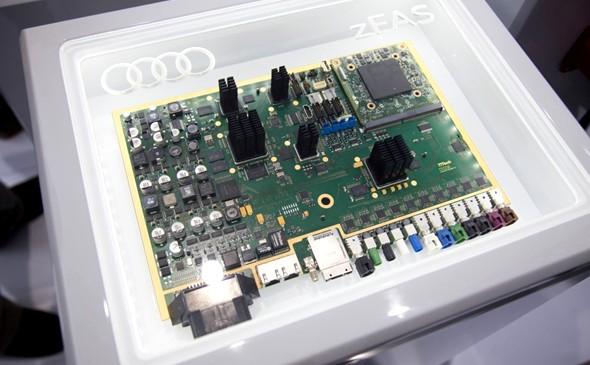 """Conducción pilotada con inteligencia artificial, Audi Q7 """"aprende"""" de su conductor"""