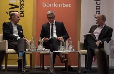 La subida de los tipos de interés, la inflación y la deuda pública, principales riesgos de la economía española actual