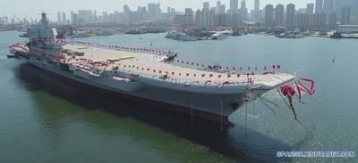 China bota su primer portaaviones de fabricación nacional