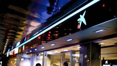 """CaixaBank recibe el premio """"European Retail Bank of the Year"""""""