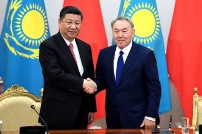 El presidente Xi visita pabellón chino en Expo de Astaná y pide mejor transporte transfronterizo