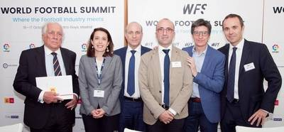 En marcha una nueva cumbre mundial de Futbol