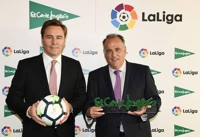 Dimas Gimen, presidente de El Corte Inglés, y Javier Tebas, presidente de LaLiga.