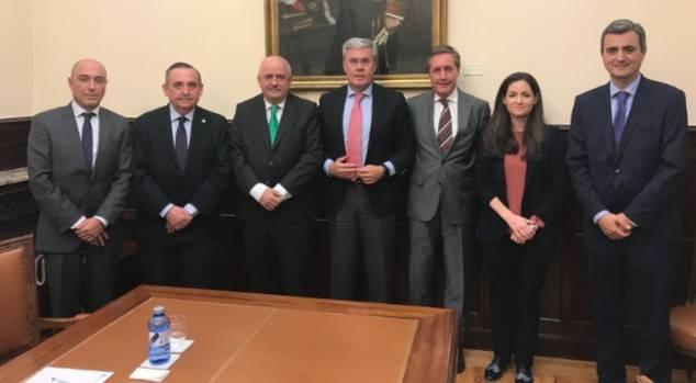 Reunión mantenida con el Secretario de Estado de Hacienda