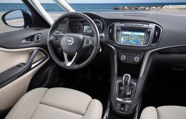 """Opel facilita mantenerse conectado con """"manos libres"""" con todos los sistemas de telefonía"""