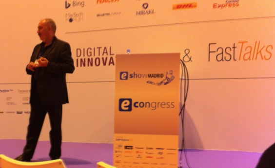 El Editor-Director de El Mundo Financiero, José Luis Barceló, durante su alocución en el eShow.