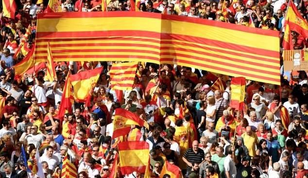 Recuperar la Senyera, como símbolo de todos los catalanes, debe ser uno de los objetivos para alanzar la normalidad política y social en u ambiente de convivencia y tolerancia.