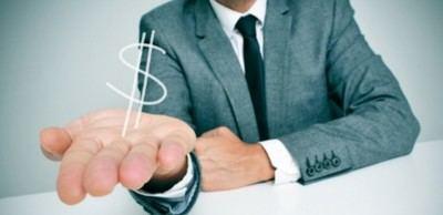 Las empresas extranjeras contratan un 11% más que las españolas y pagan hasta un 38% más de sueldo