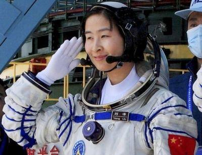 China mantiene ahora un liderazgo en la carrera espacial. Liu Yang fue la primera mujer china lanzada al espacio.