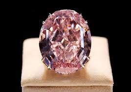 El diamante pink Star volvió a la subasta cuatro años despues de pasar por Sotheby´s