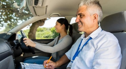 Aprobar el examen de conducir es sencillo si sabes cómo