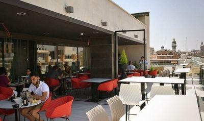 El Corte Inglés abre La Plaça Gastro Mercat, un nuevo concepto gastronómico en Valencia