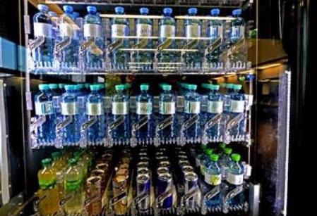 España, entre los 20 países donde es más caro comprar una botella de agua pequeña