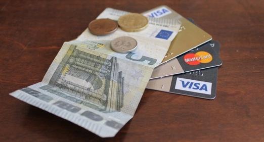 Tarjetas de crédito vs préstamos rápidos
