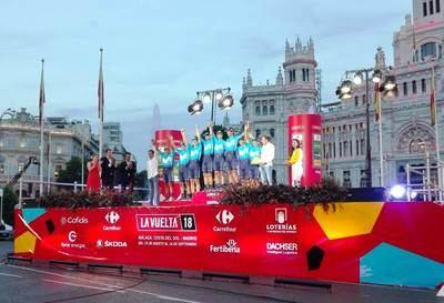 Movistar recibe por 10º año el premio Dachser al Mejor Equipo de La Vuelta