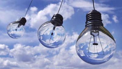 La hidráulica marca el precio mayorista de la luz y lo está elevando un 10% en septiembre