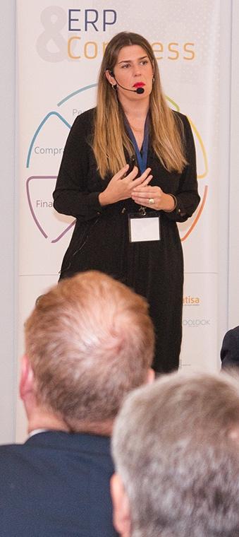 """Sara Vega, Directora de Marketing y de RSC de Comess Group, durante su ponencia """"Digitalize me: conocer al consumidor para transformar el negocio"""" en ERP Congress."""