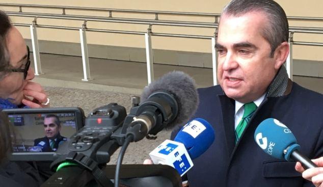 En la imagen, el letrado Juan Ignacio Navas, durante una comparecencia ante medios de comunicación.