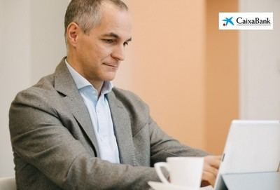 CaixaBank lanza el programa Webinars Aula con formación online para accionistas