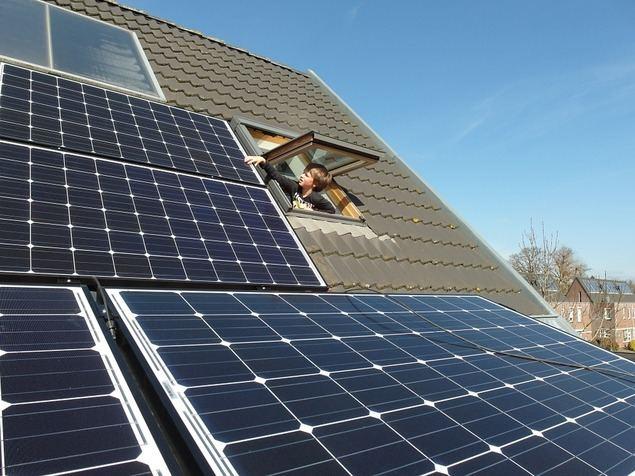 ¿Es el momento de apostar por las placas solares de autoconsumo?