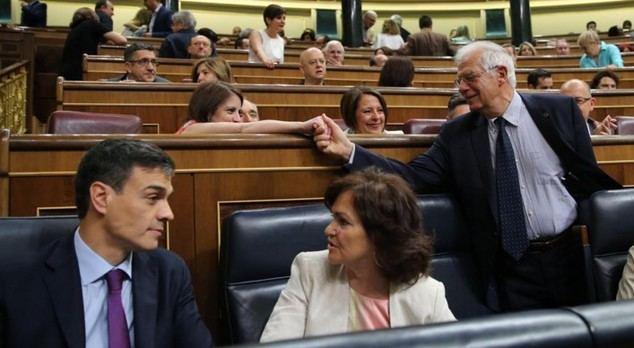 Lastres y estercolero en la sesión de control al Gobierno