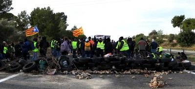 Los empresarios de Cataluña exigen luchar contra la violencia perniociosa de los CDR
