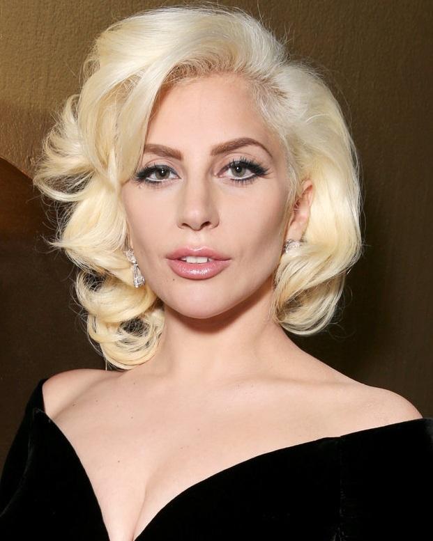 Lady Gaga en los Globos de Oro de 2015, cuando ganó el de Mejor Actriz de Miniserie o Telefilm por American Horror Story