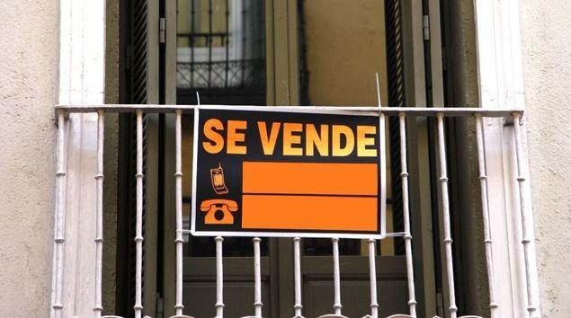 Madrileños y barceloneses tiran del mercado de la segunda vivienda en España