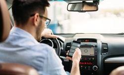 -'Velocidad, alcohol y móvil, principales causas de accidentes viales mortales en España'-