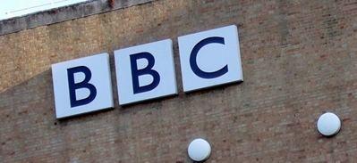 Un productor de la BBC afirma que vídeo en hospital sirio tras un 'ataque químico' fue un montaje
