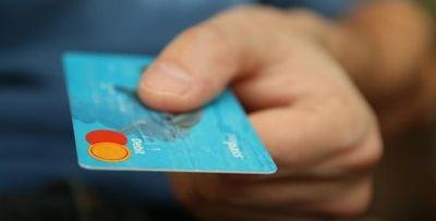 Los españoles gastarán una media de 28 euros con tarjeta de crédito en el Día del Libro