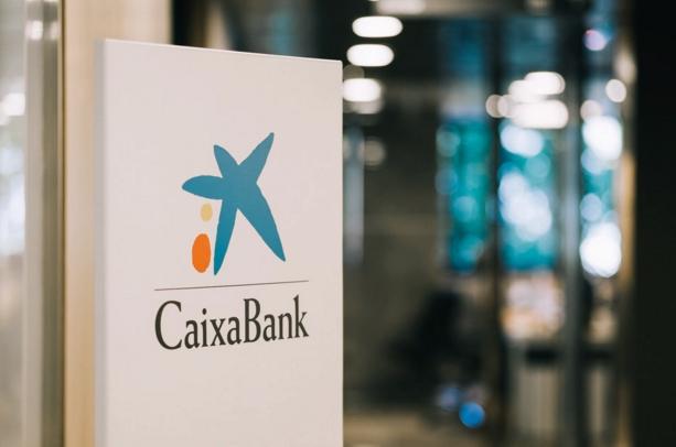 Nuevo acuerdo laboral de CaixaBank para impulsar la especialización de la red