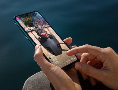 Hipersociabilizar a través del smartphone, clave en la realización de las generaciones Y y Z