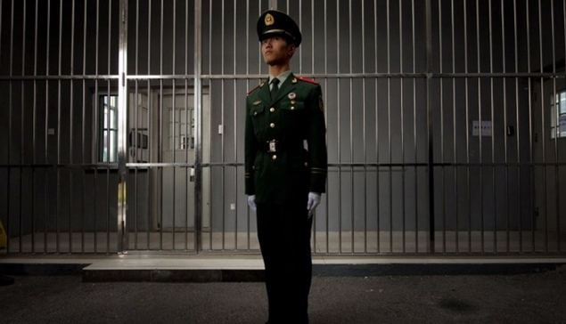En una cárcel china se sabe como se entra, pero no como se sale: una vez dentro, es como un agujero negro en el que se pierde todo rastro del detenido.