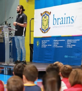 Ricky Rubio presenta su campus de baloncesto en Brains International Schools