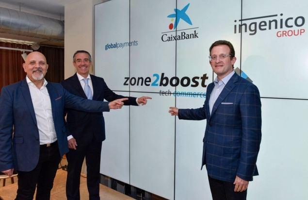 De izquierda a derecha: Mark Antipof, Global Head of Sales and Marketing de Ingenico Group; Juan Antonio Alcaraz, director general de CaixaBank, y Jeff Sloan, consejero delegado de Global Payments.