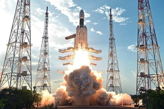 La India envía una nave espacial a la Luna