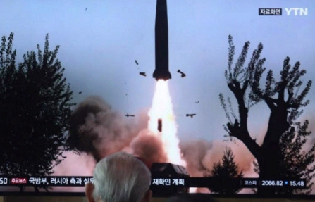 Corea del Norte lanza dos nuevos misiles en protesta por las maniobra militares