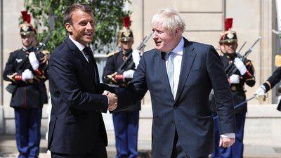 Macron y Johnson conversan en París sobre el 'Brexit'