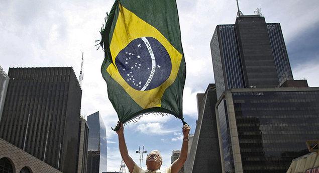 """-""""Brasil es de nuevo considerado el mercado refugio de los países emergentes de América Latina""""-"""