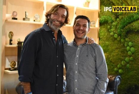Alfonso García Valenzuela, Chief Innovation Oficcer de IPG Mediabrands y Roberto Carreras, CEO de VOIKERS